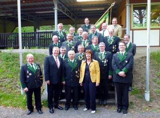 Gruppenfoto Schuetzen mit Amtsvorstehern